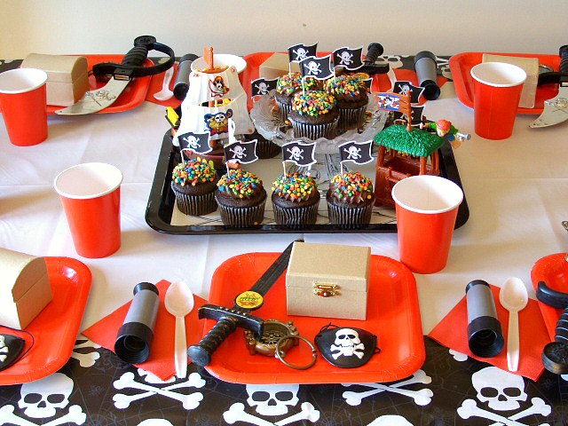 Pirate Birthday Party table setting