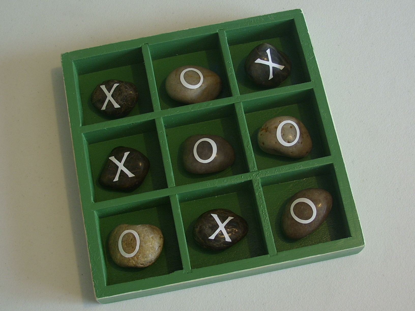 tic tac toe rocks