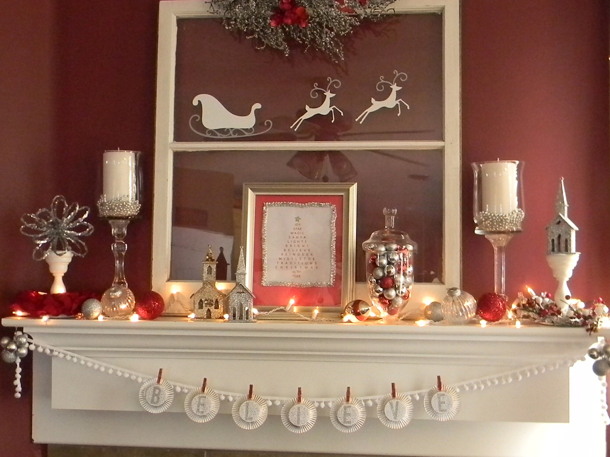 Red and white christmas decorations - The White Candlestick