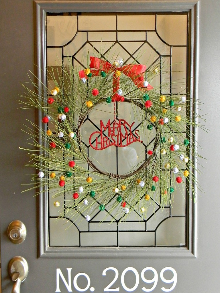 pine-and-pom-pom-wreath-front-door