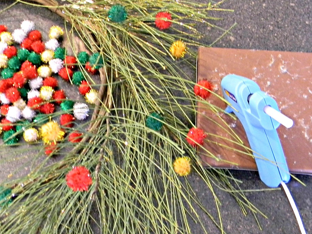 pine-and-pom-pom-wreath-pom-poms
