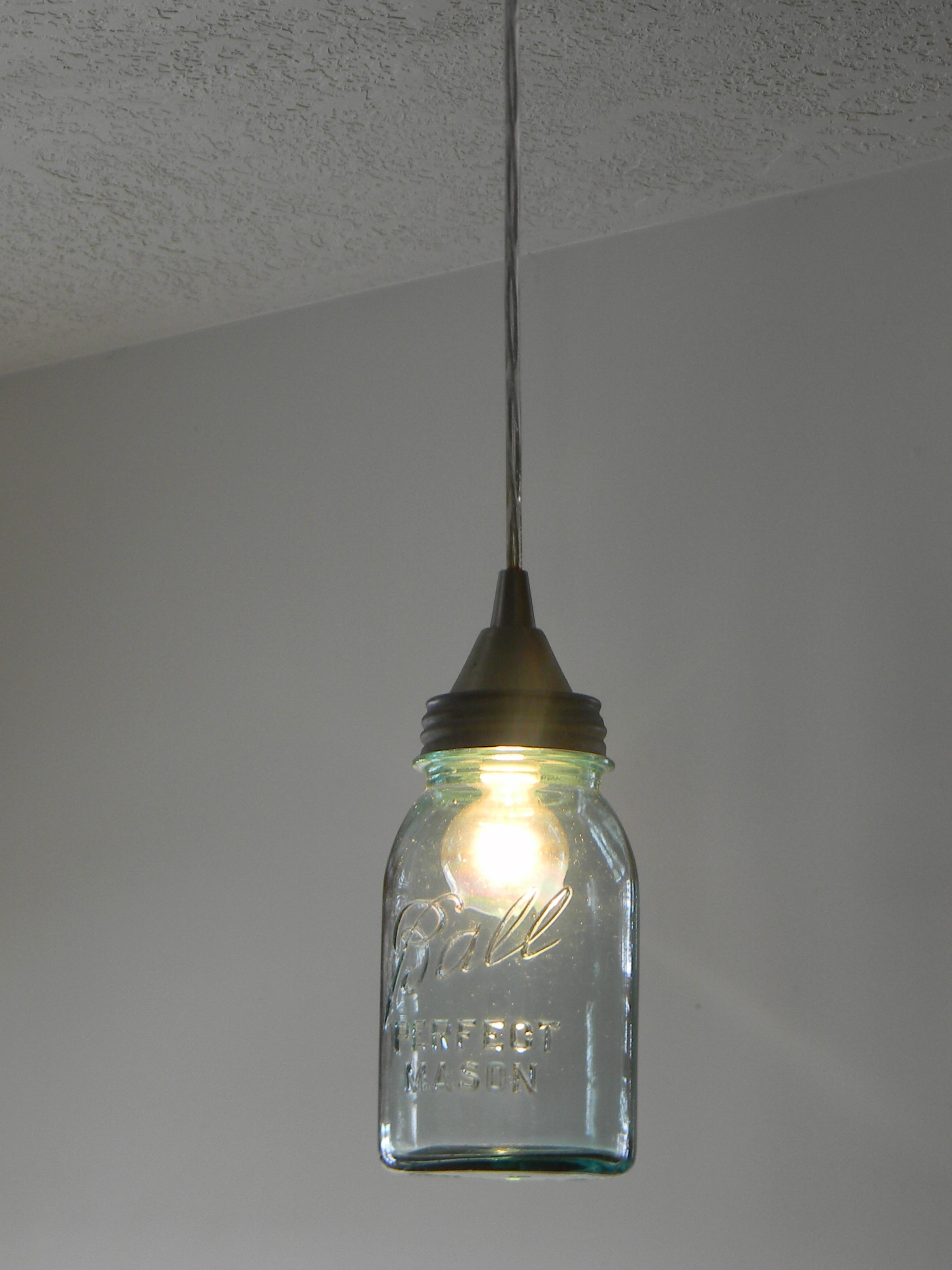 Ball jar lights organize and decorate everything for Diy kitchen light fixtures