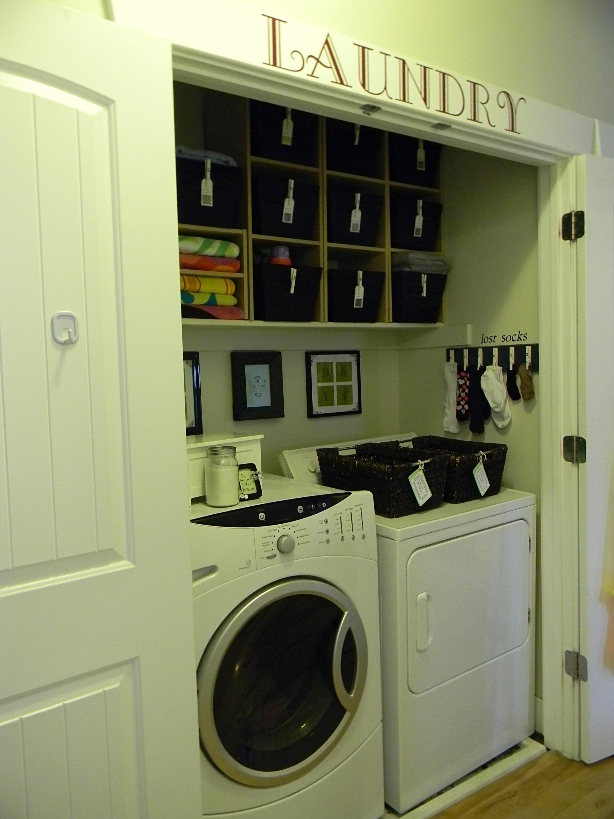 Laundry room revisited organize and decorate everything for Decorate a laundry room