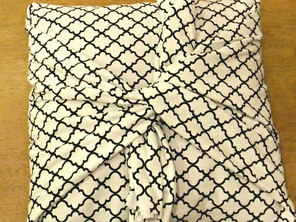 Easiest Pillow Cover Ever 8