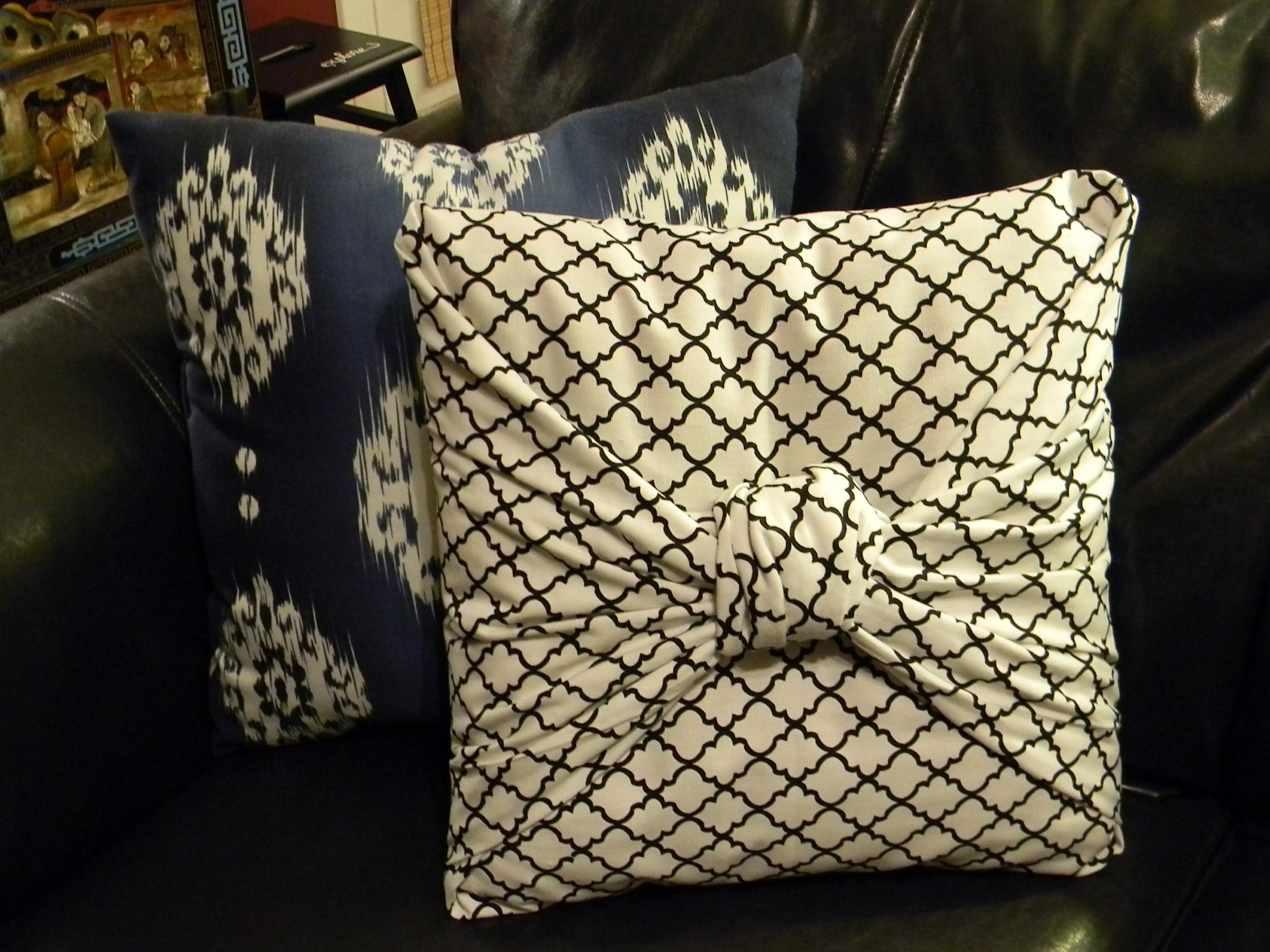 Сен 8 2012.  Небольшой мастер-класс, как можно красиво оформить подушку, в пять минут сделав на нее красивую...