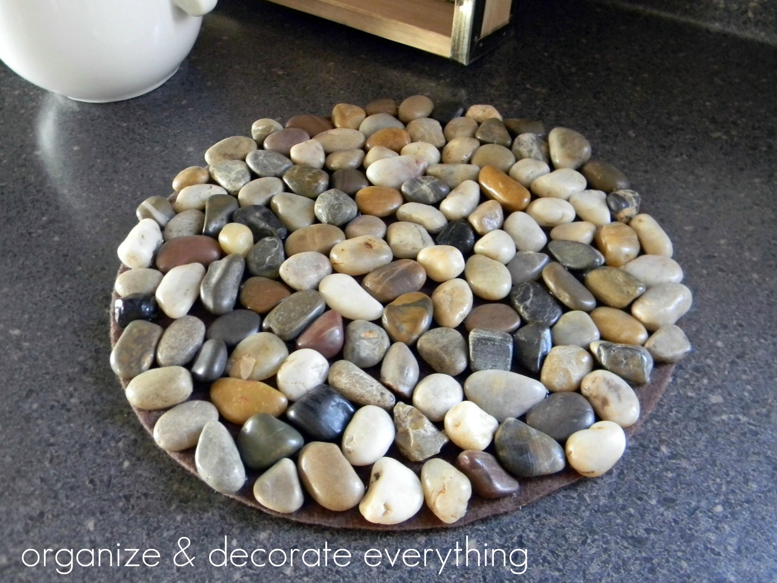 Подставка под горячее из камней