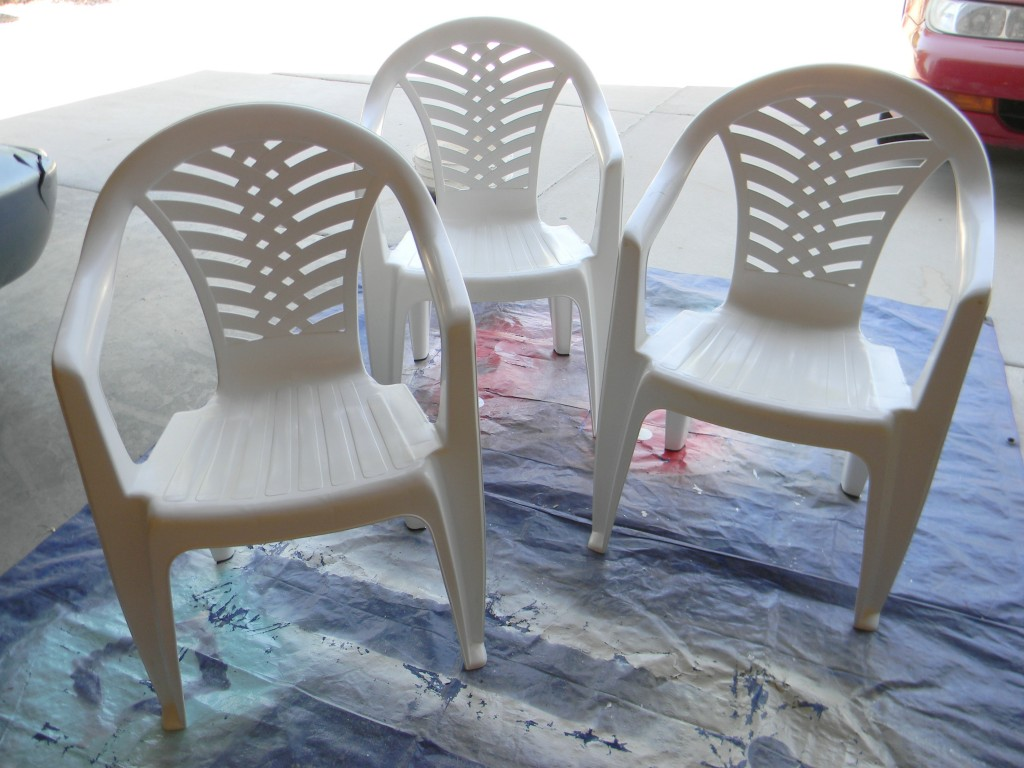How To Spray Paint Plastic Chairs Spray Painted Plastic Outdoor Chairs Update One Year Later
