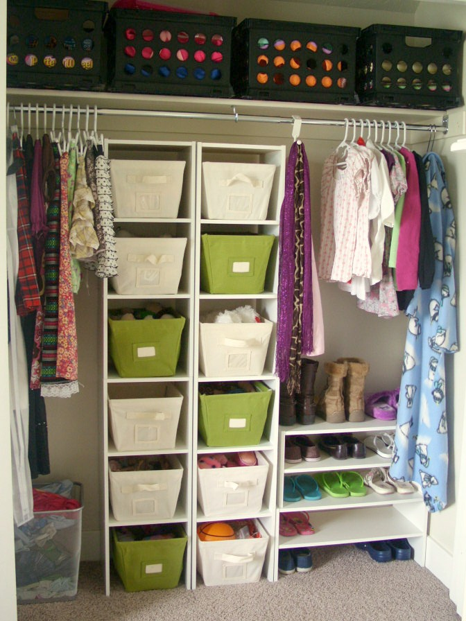 31 days of loving where you live day 24 teen girls room for Bedroom organization