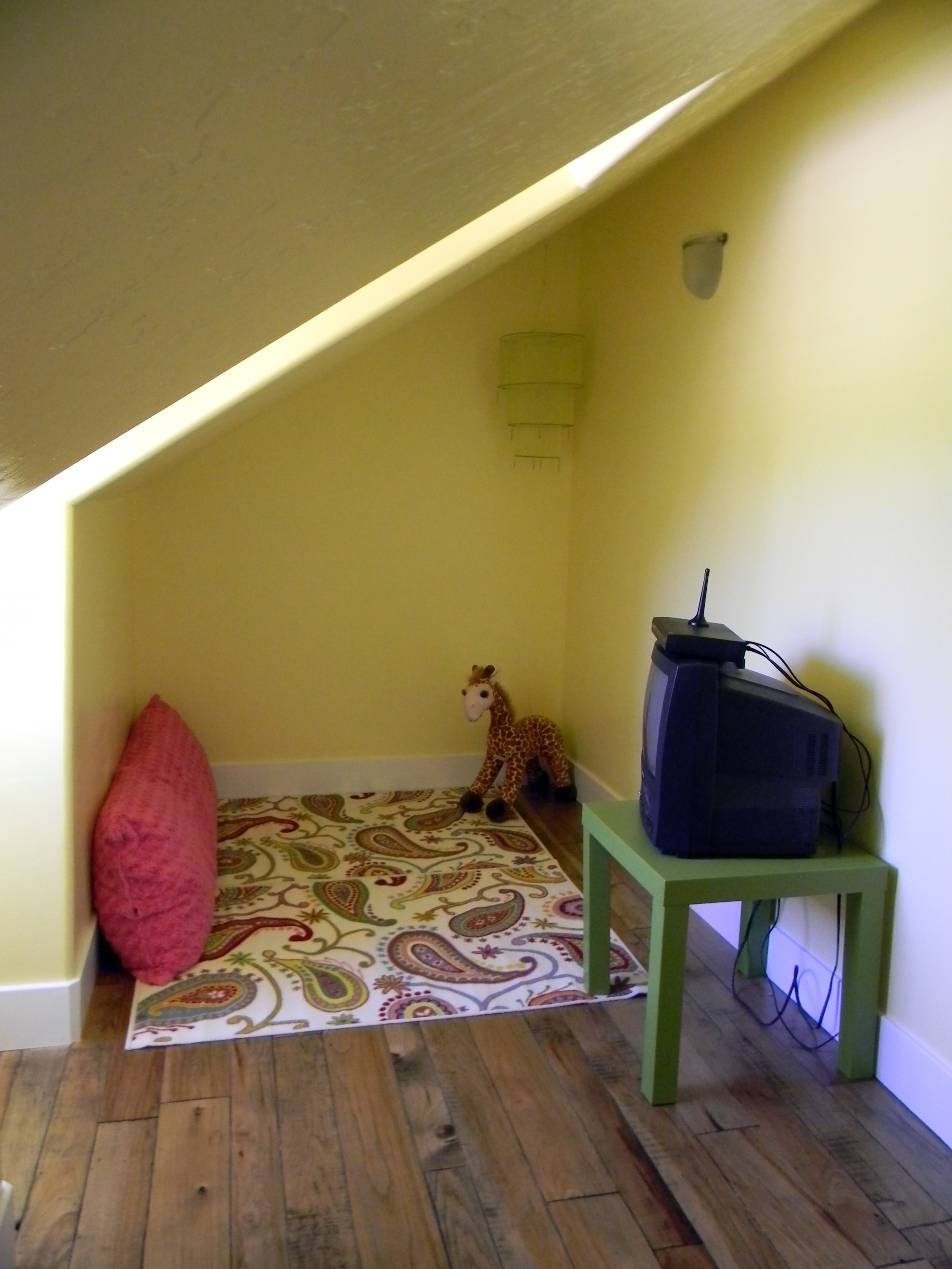 31 days of loving where you live day 24 teen girls room for Teenage girl attic bedroom ideas
