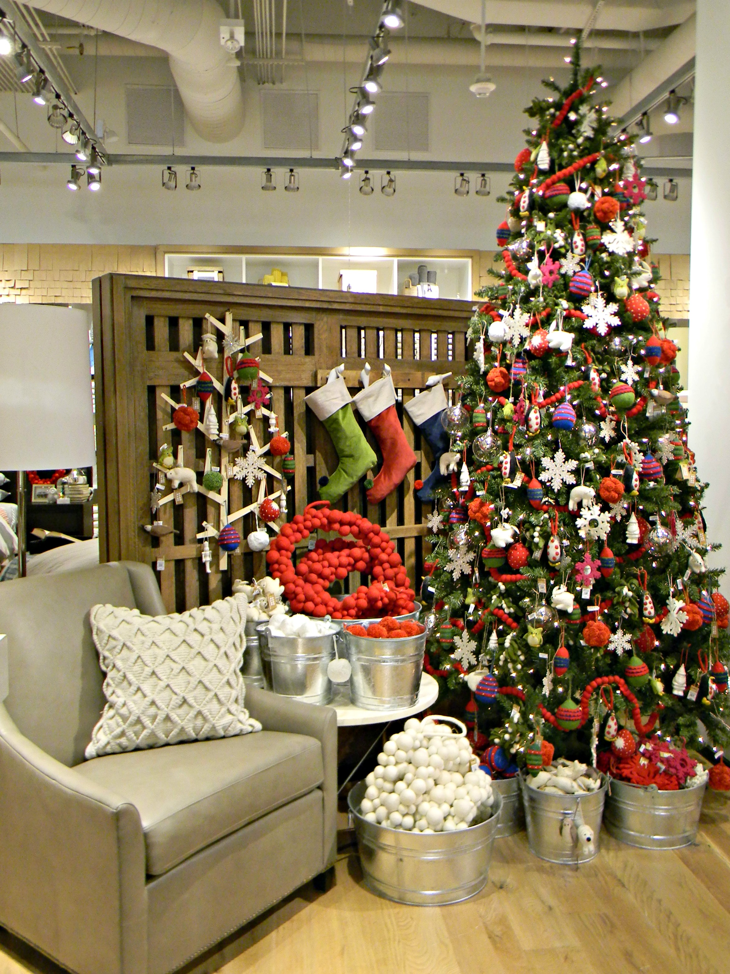 West Elm Christmas Display.West Elm 32 Organize And Decorate Everything