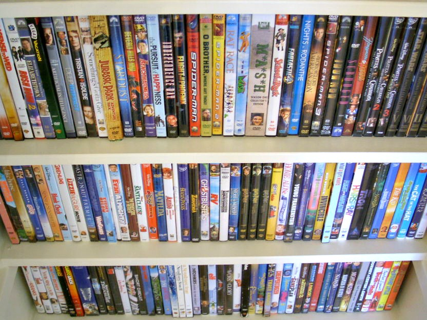 video closet 8