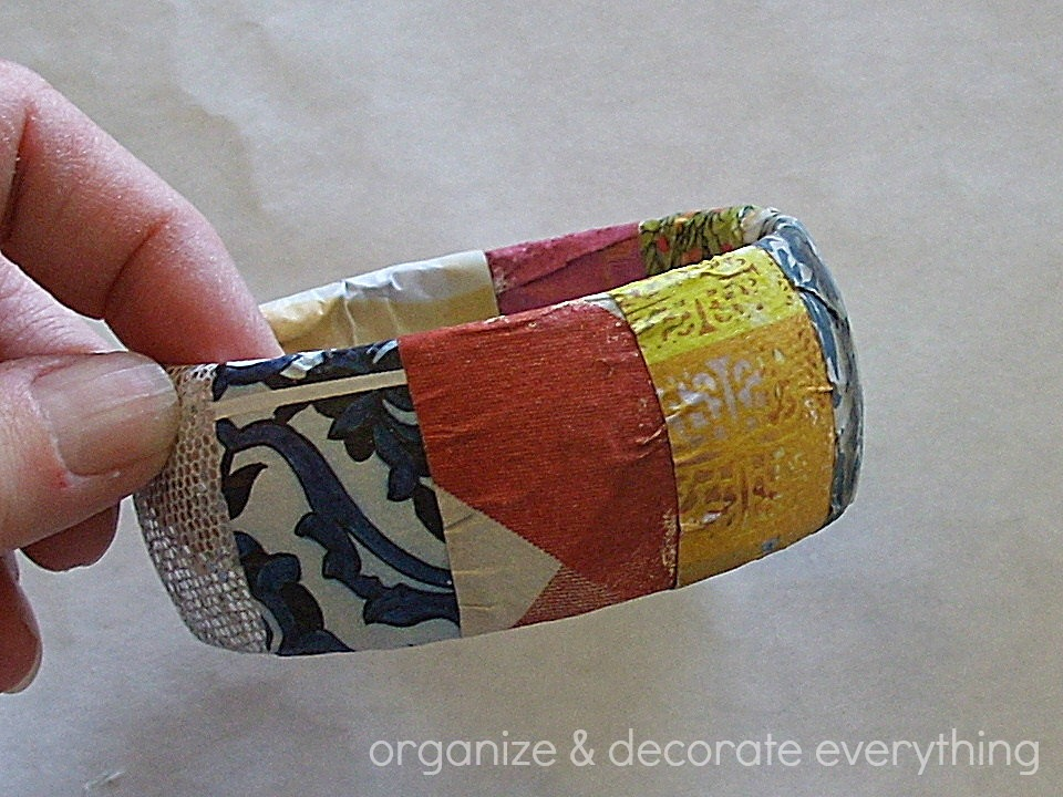 magazine pages bracelet 6.1