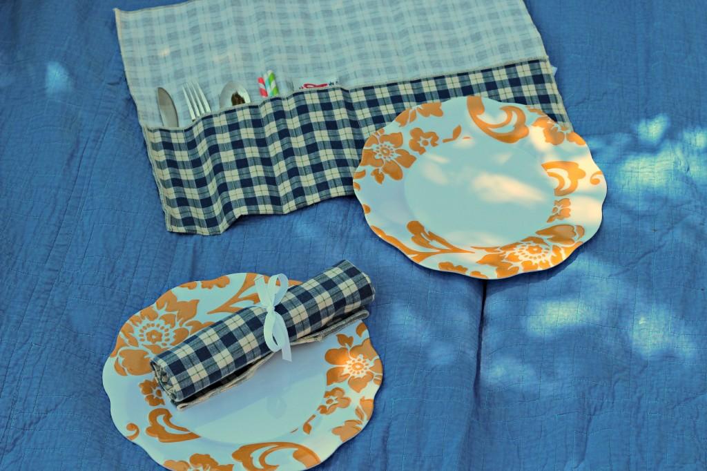 picnic utensil carrier 11
