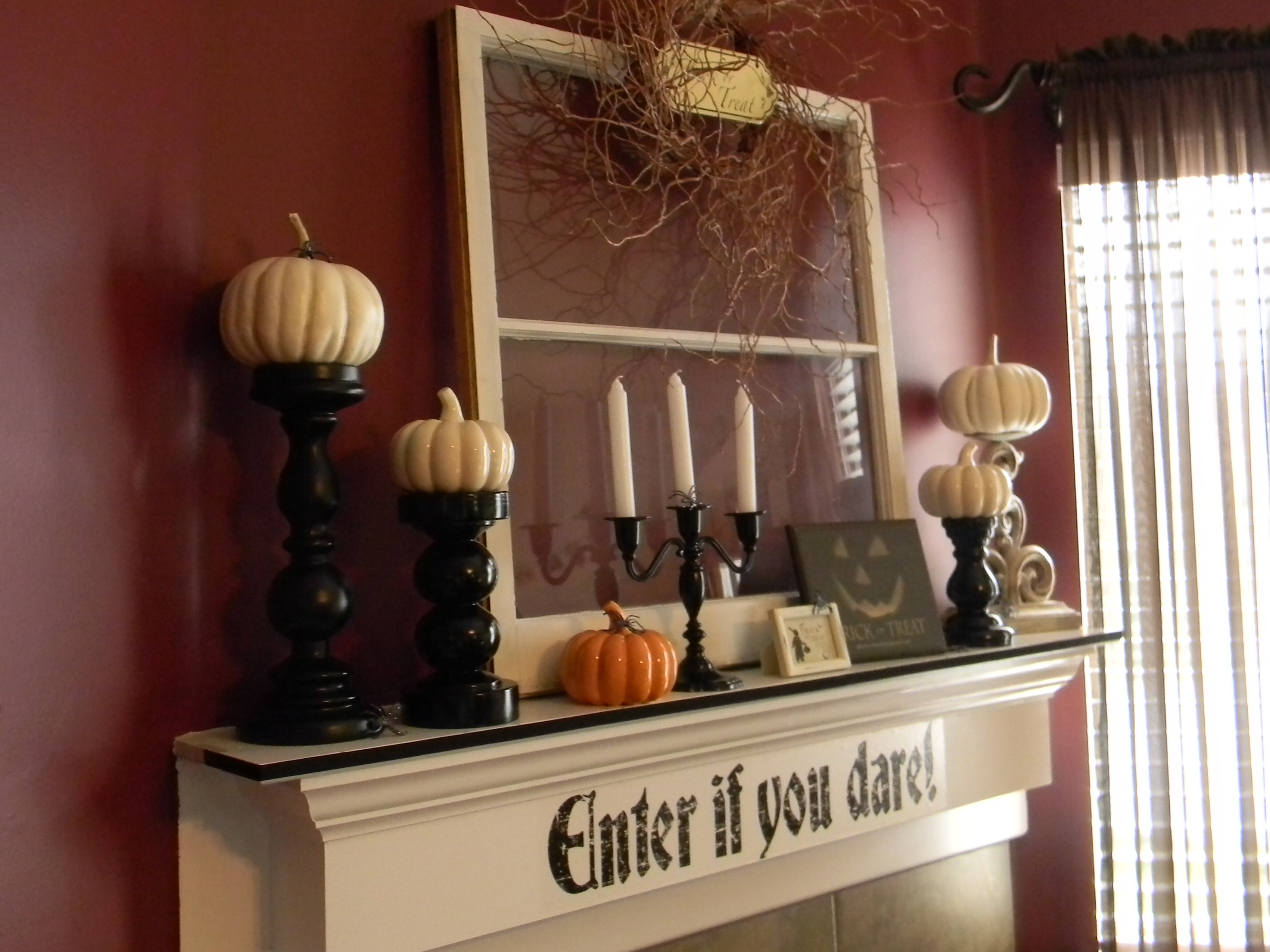 image source - Halloween Mantel Decor