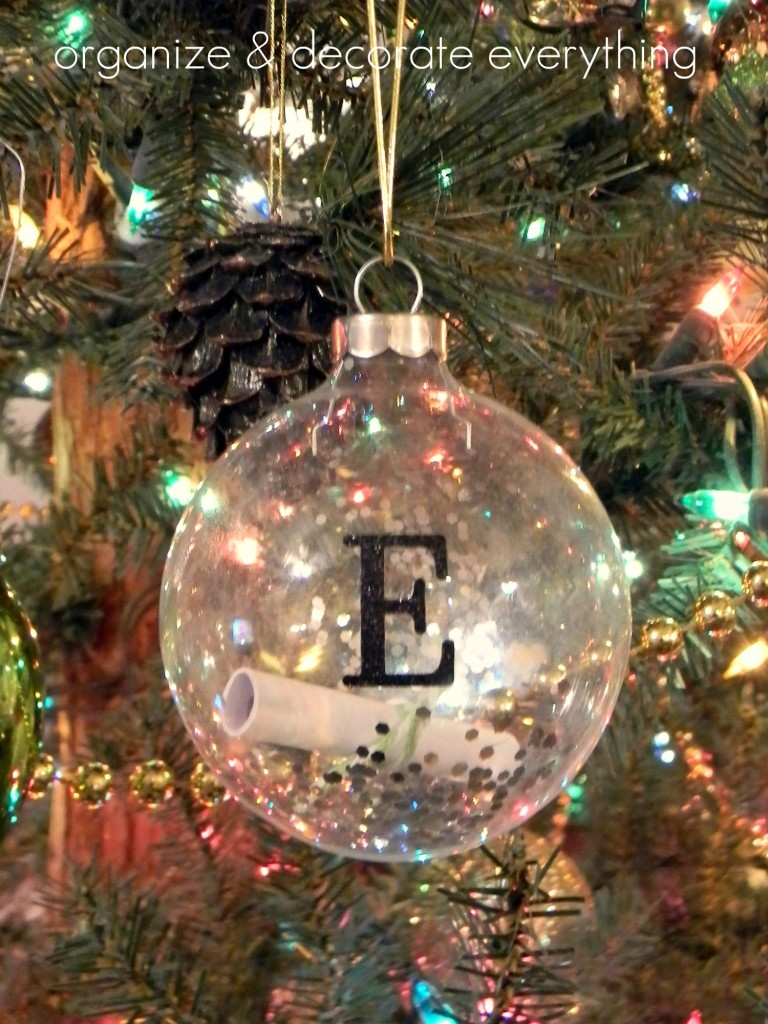 2011 Ornament 6text