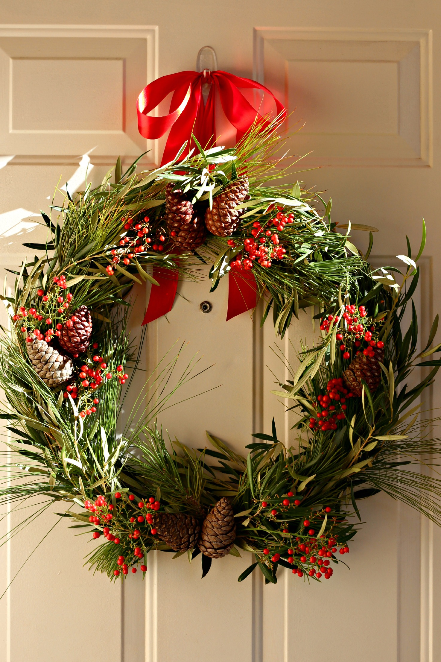 Natural Wreaths Decorating Natural Christmas Wreath