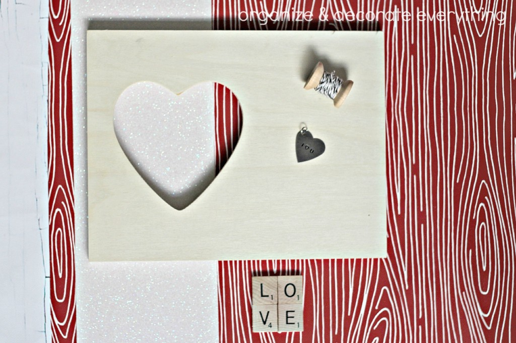 Wood Grain Heart Frame 5.1