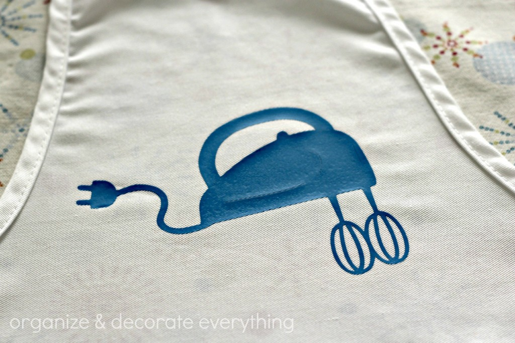 Children's Apron with Heat Transfer Vinyl Applique 6.1