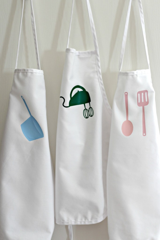 Children's Aprons with Heat Transfer Vinyl Applique 2