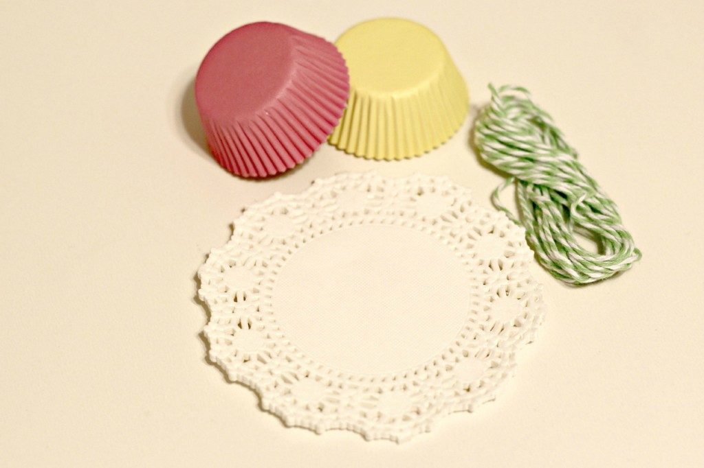 Cupcake and Doily Banner 4