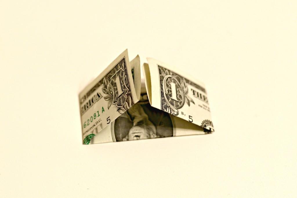 Dollar Bow Garland 4
