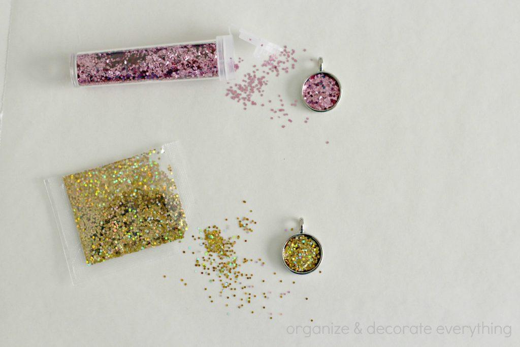 glitter necklaces add glitter