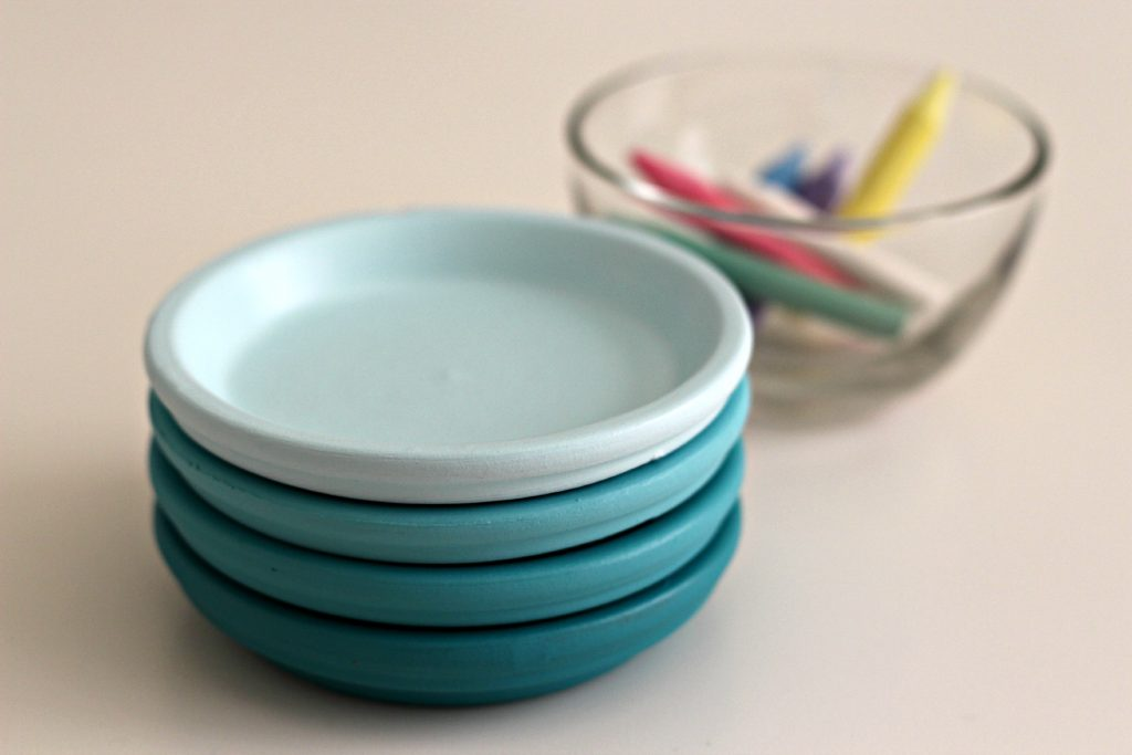 ombre painted coasters with chalk