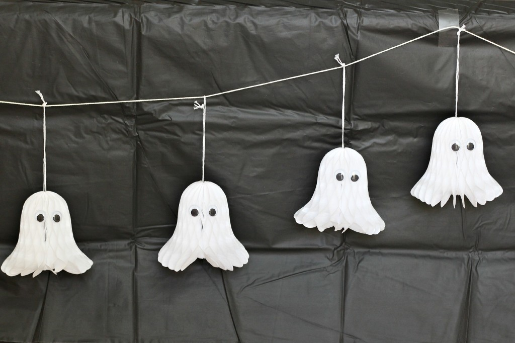 Halloween Ghost Party
