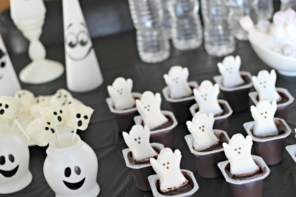 Halloween Ghost Party 12