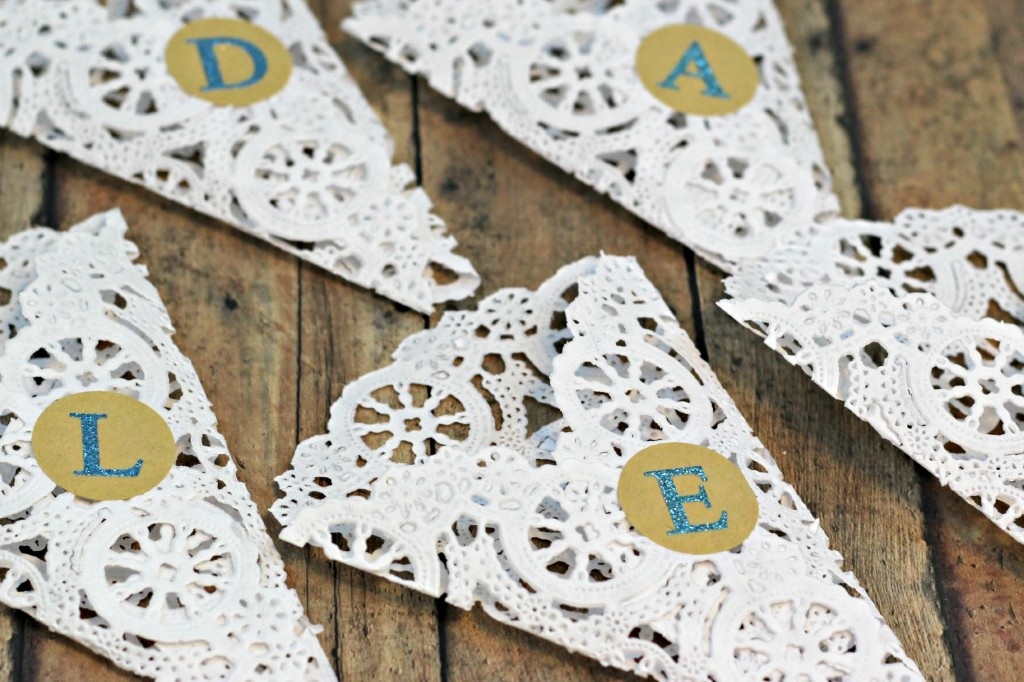 Doily Place Cards 5