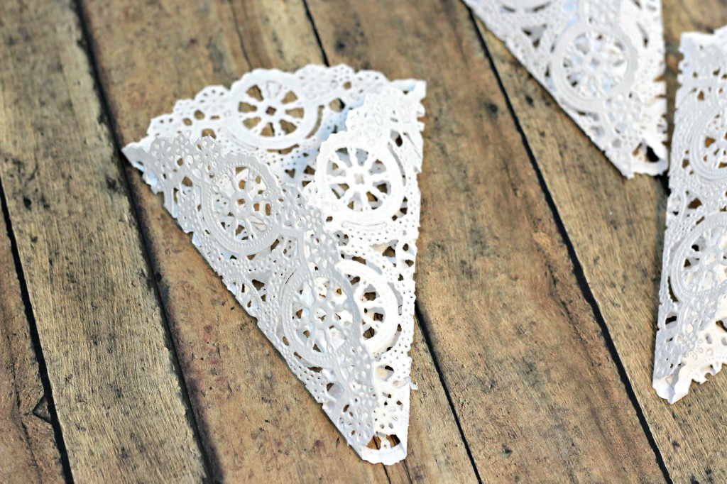 Doily Place Cards 6