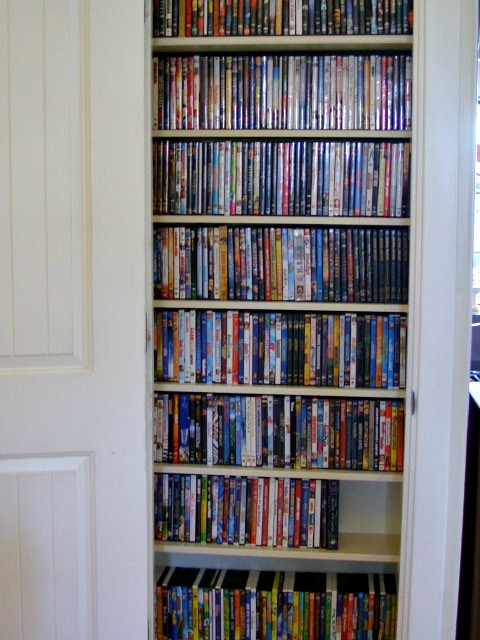 video closet 6