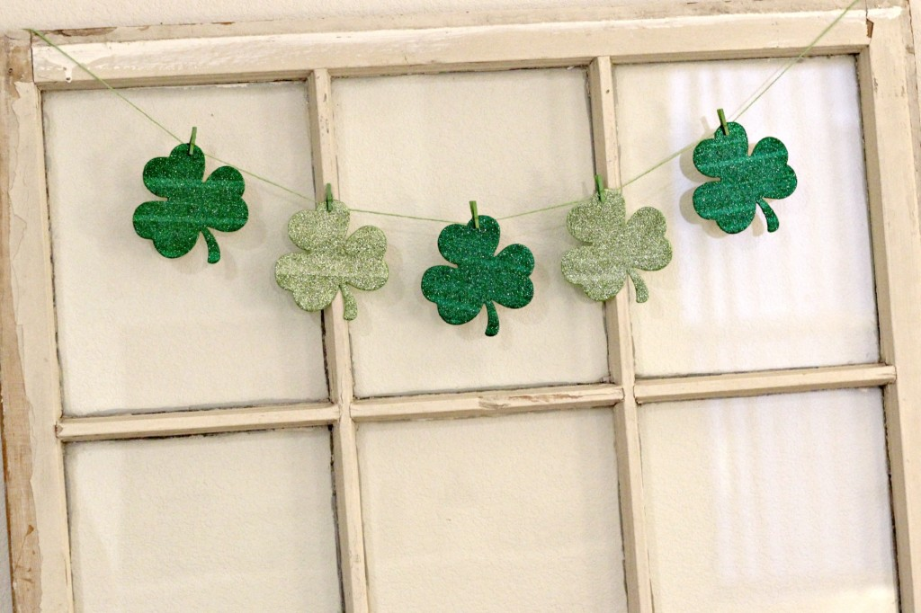 Simple St. Patrick's Day Mantel 11