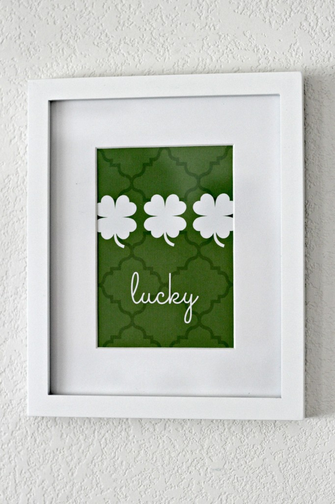 Simple St. Patrick's Day Mantel 5