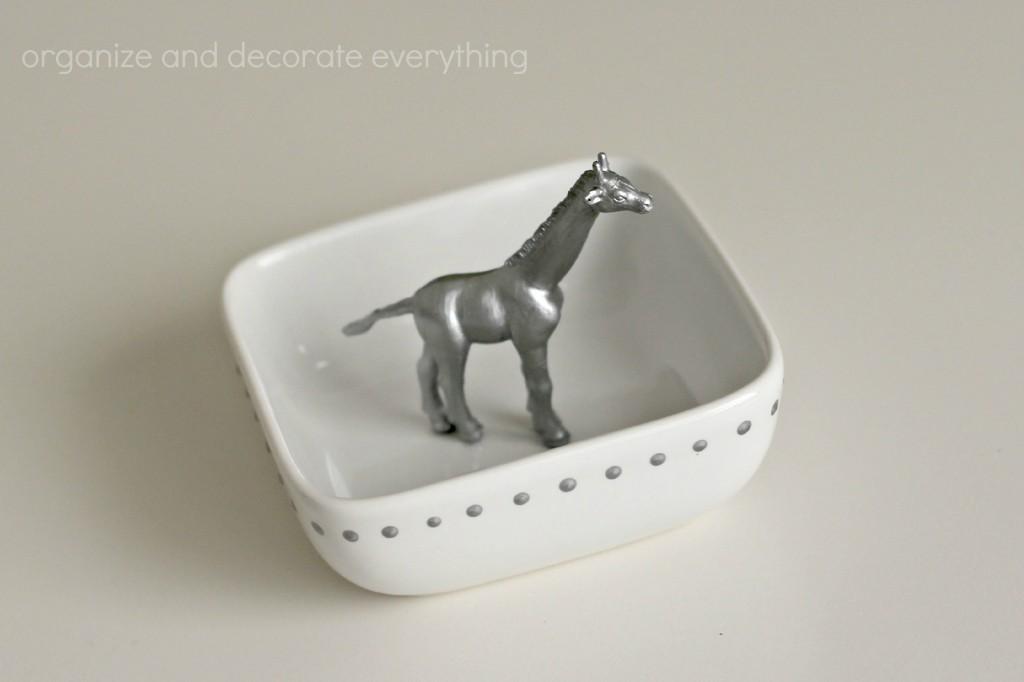 Ring Dish with Giraffe