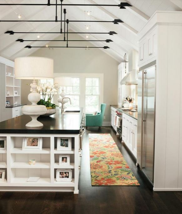 How to Decorate with Florals - kitchen rug