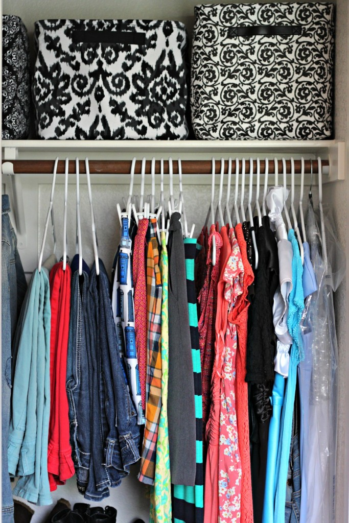 Teen Organized Closet- skirts