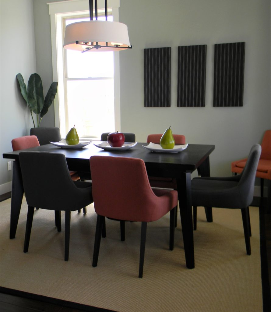 dining room clutter free