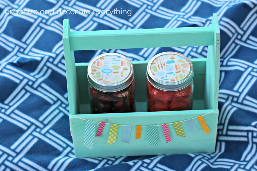 Picnic Crates jars in tote