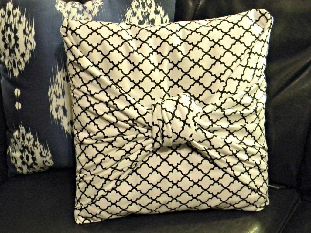 The Easiest Pillow Cover Ever 1