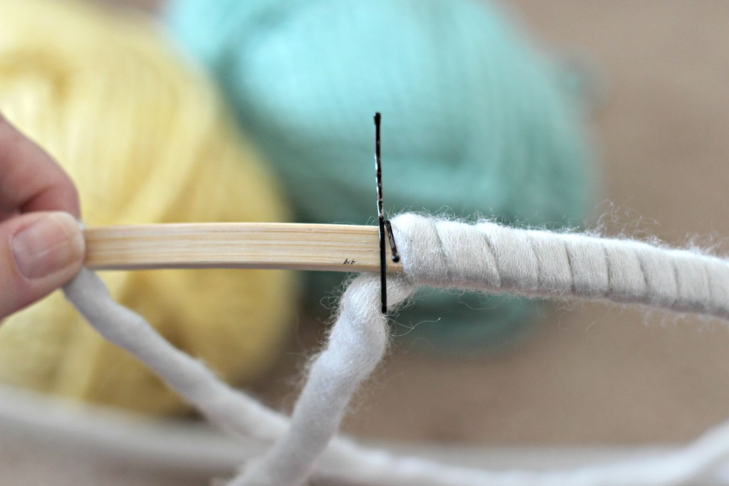 Yarn Wall Hanging clip.1
