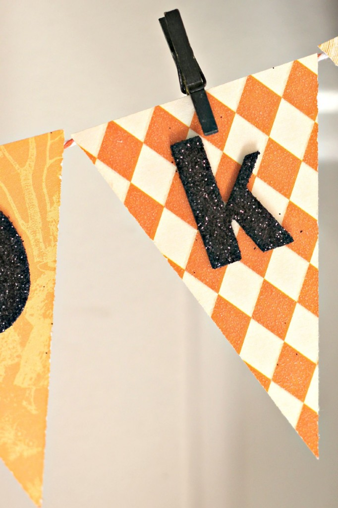 Spooky Spider Wreath banner flags