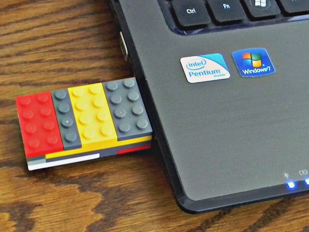 Lego Flash Drive.2