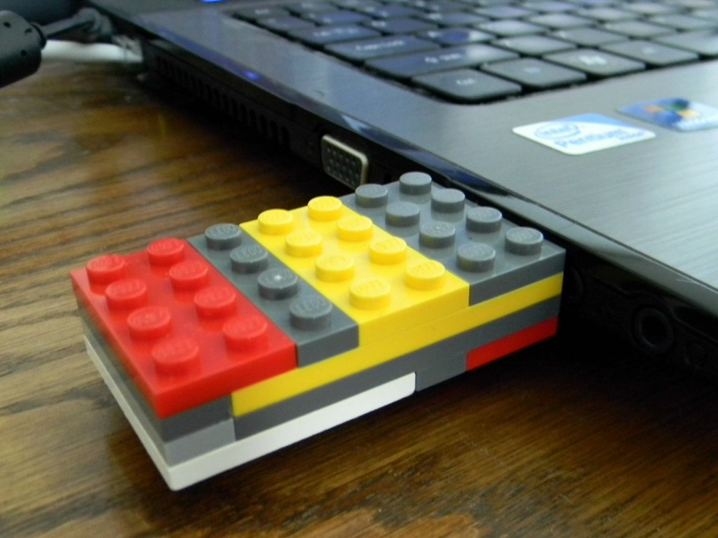 Lego Flash Drive.4