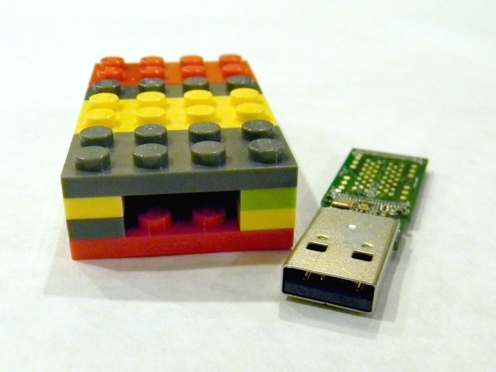 Lego Flash Drive.6
