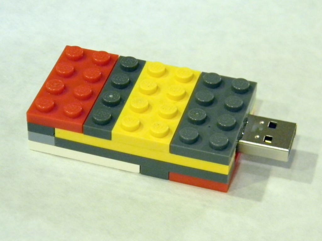 Lego Flash Drive.7