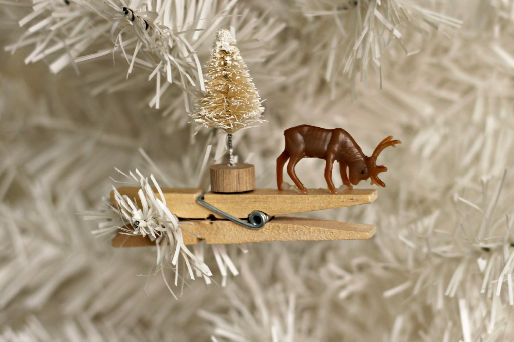 Reindeer Clothespin Ornaments.5