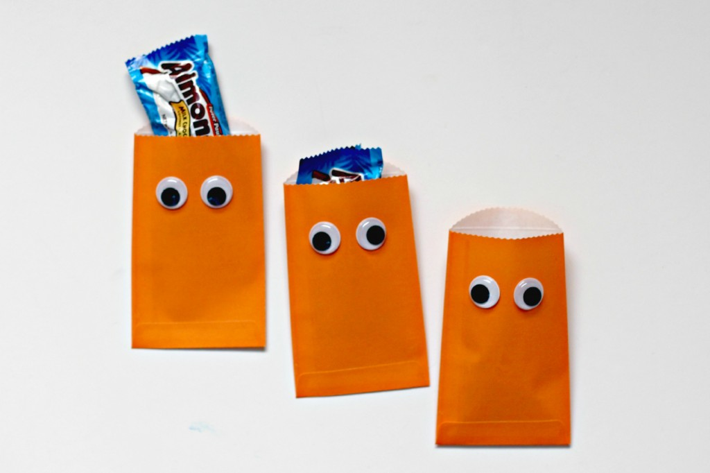 googly eye treat bags