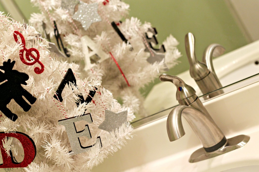 DIY Wood Glitter Ornaments .20