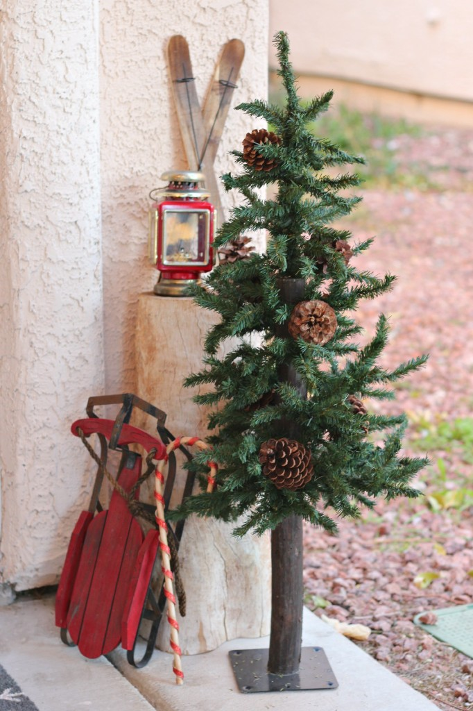 2015 Christmas Porch red sled vignette